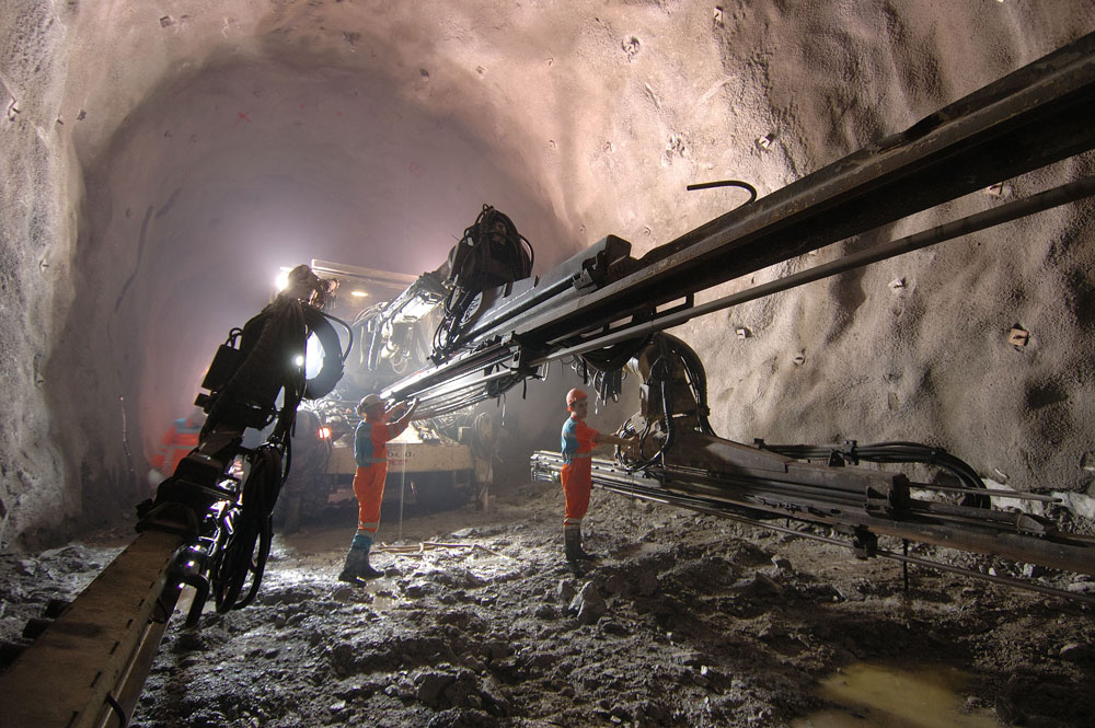 australian tunnel construction methods Cut-and-cover is a method of tunnel construction where a trench is  acci- university of nsw, australia- full examination of penetron admix effect on  concrete.